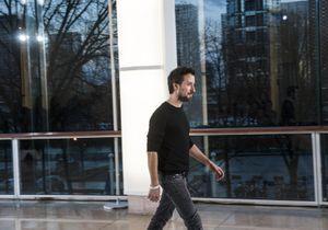 Anthony Vaccarello dévoile un nouvel aperçu de sa première collection pour Saint Laurent