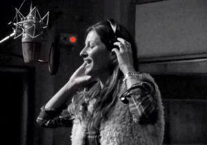 Gisele Bündchen chante pour H&M
