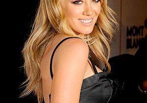 Hilary Duff joue les stylistes pour DKNY