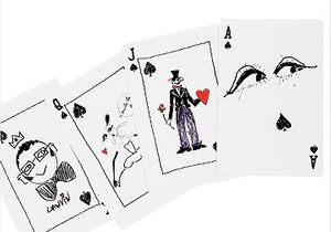 Idée cadeau : le jeu de cartes imaginé par Alber Elbaz