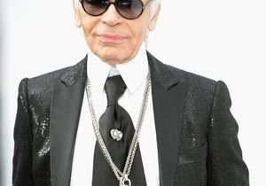 Karl Lagerfeld renoue avec une vieille tradition Chanel