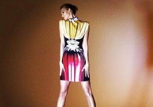 L'instant mode : Karlie Kloss en 3D dans le mini film de Mary Katrantzou