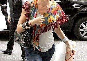 Le châle russe, la valeur sûre de Sienna Miller !