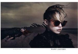Miley Cyrus égérie Marc Jacobs : un pas vers la respectabilité ?