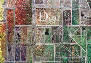 #PrêtàLiker : découvrez le décor du dernier défilé Dior prendre vie en quelques secondes
