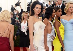 Qui veut s'offrir la robe de Kendall Jenner au gala du Met?