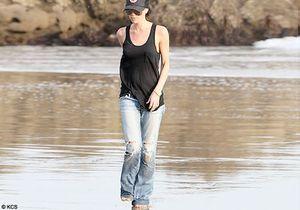 Victoria Beckham à plat et pieds nus ! Que lui arrive-t-il ?
