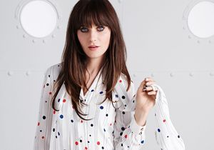 Zooey Deschanel, des robes preppy pour Tommy Hilfiger
