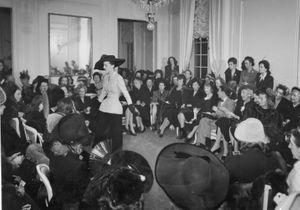 Christian Dior : comment, en un défilé, le créateur a révolutionné la mode avec son New Look