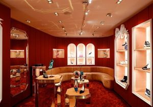 #ELLEfashionSpot : Roger Vivier ouvre sa boutique au Mayfair