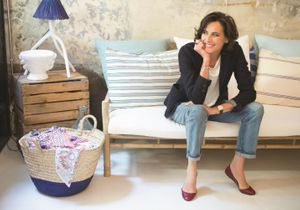 Ines de la Fressange : « Une petite chose peut tout changer et twister les vêtements que vous avez déjà »