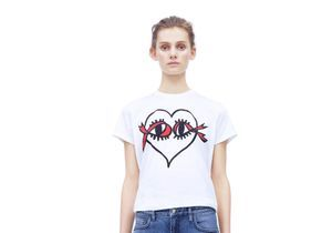 L'instant mode : les créations de Victoria Beckham pour la lutte contre le sida