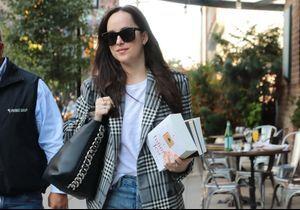 On s'offre (tout) le look de Dakota Johnson pour moins de 180 euros