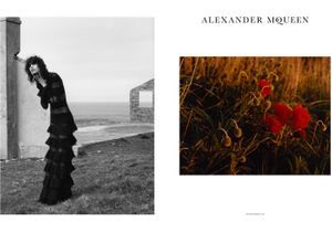 #PrêtàLiker : la campagne sauvage d'Alexander McQueen