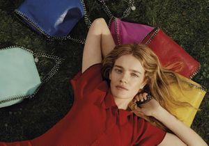 Exclu: Stella McCartney fête les beaux jours avec une nouvelle ligne de sacs colorés