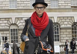 Les looks des mannequins à la sortie des défilés de Londres