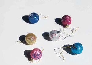 45 boules de Noël à suspendre au sapin