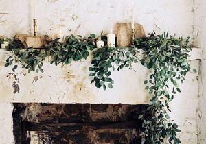 Décorer sa cheminée pour Noël en 15 inspirations
