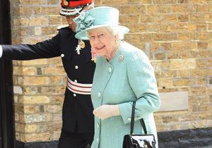 À 93 ans, la reine d'Angleterre s'émerveille devant une avancée technologique que vous connaissez tous