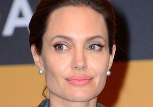 Angelina Jolie honorée par Elizabeth II