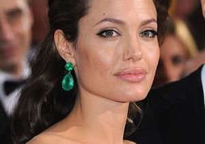 Angelina Jolie prépare son entrée dans la politique !
