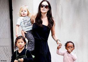 Angelina Jolie : une 7ème adoption en Syrie sans Brad Pitt ?