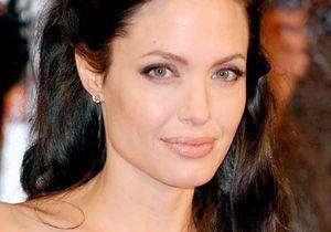 Angelina Jolie : une quatrième adoption en Arménie ?