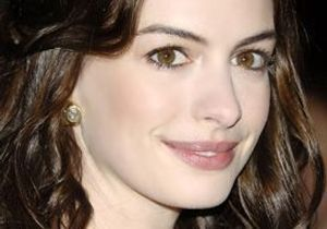 Anne Hathaway à Broadway ?