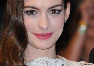Anne Hathaway est fiancée
