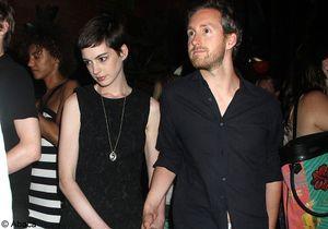 Anne Hathaway serait-elle enceinte ?