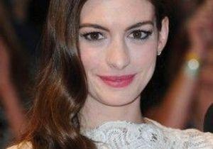 Anne Hathaway : son ex expulsé des Etats-Unis
