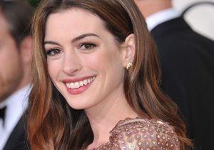 Anne Hathaway va rejoindre la chorale de Glee