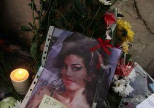 Après la mort d'Amy Winehouse, les hommages se multiplient
