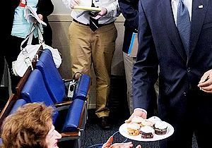 Barack Obama : tournée de cupcakes pour son anniversaire !