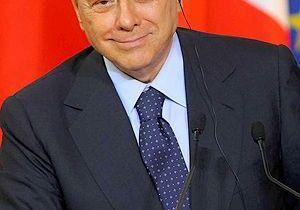 Berlusconi : « Je ne suis pas un saint »