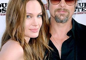 Brad Pitt chante comme une casserole et ça énerve Angie !
