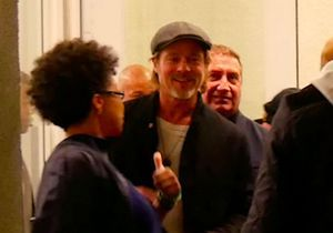 Brad Pitt souriant alors qu'on le dit en couple avec Charlize Theron : la photo tant attendue