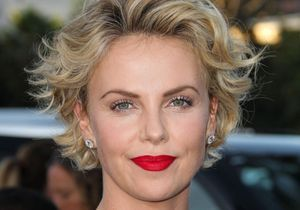 Charlize Theron part sans régler sa note… de 3 dollars !