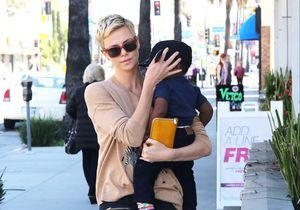 Charlize Theron : ses conseils sur l'adoption à Jennifer Aniston
