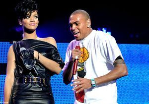 Chris Brown : il offre une photo d'eux à Rihanna