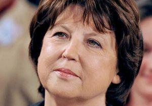 Coincée, Martine Aubry se débrouille pour rentrer en France
