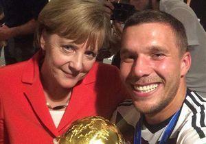 Coupe du monde 2014 : les selfies d'Angela Merkel avec les vainqueurs