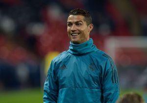 Cristiano Ronaldo : moment de tendresse avec ses jumeaux Mateo et Eva