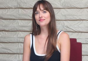Dakota Johnson, l'héroïne de 50 nuances de Grey, enceinte de Chris Martin ?