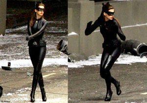 Découvrez Anne Hathaway en Catwoman !