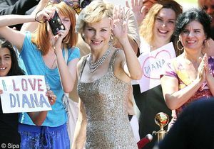 Découvrez Naomi Watts dans la peau de Lady Diana!
