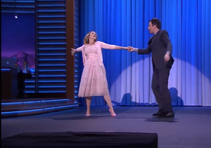 Drew Barrymore et Jimmy Fallon rejouent « Dirty Dancing »