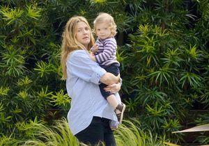 Drew Barrymore prend la pose avec la petite Frankie