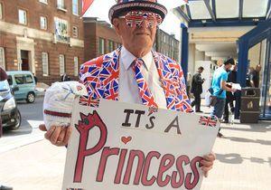 En images: Londres en folie avant l'accouchement de Kate Middleton!