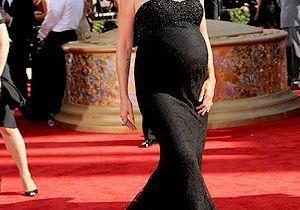 Enceinte de 9 mois, Heidi Klum brille sur le tapis rouge